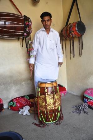 City Culture – Ustad Abdul Rashid Dhol walay Shop   The