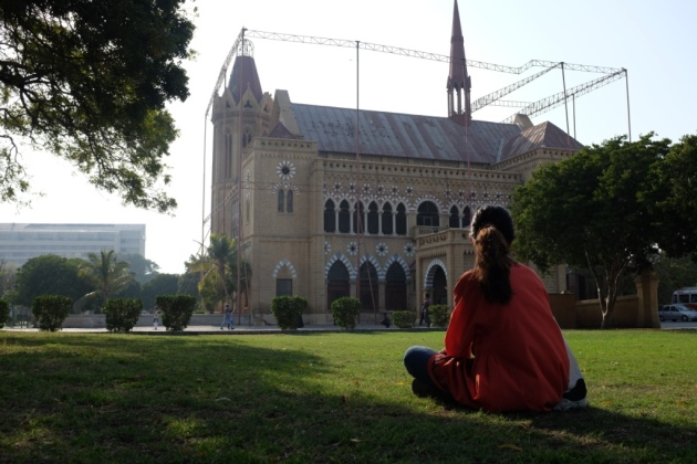Frere Hall - waiting for the gates to open