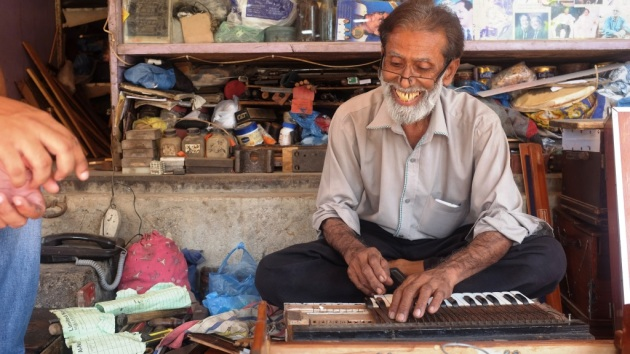 3 - We finally locate Waheed Music shop and find Waheed repairing a harmonium there