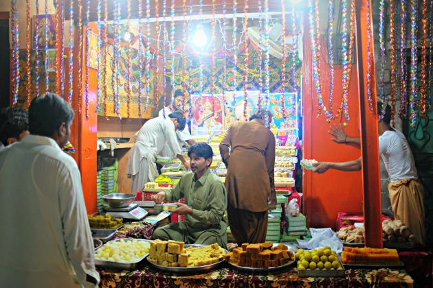 1-the-main-bazaar-of-mithi-remains-lit-up-and-open-till-late-hours-for-diwali