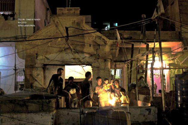 16-people-celebrate-diwali-in-a-house-in-narayanpura