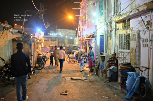 8-a-street-scene-in-shri-swaminarayn-neigborhood